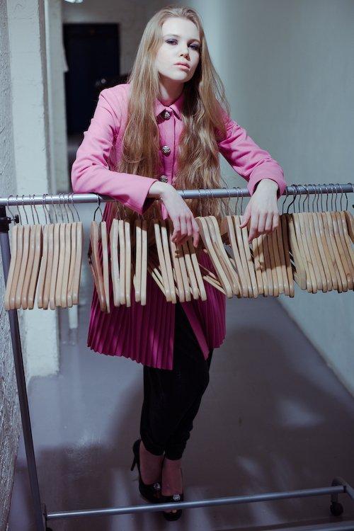 """Пальто с юбкой """"плиссе"""", светло-розовое"""