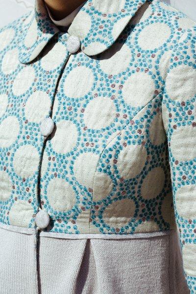 Пальто из жаккарда с вязаной юбкой