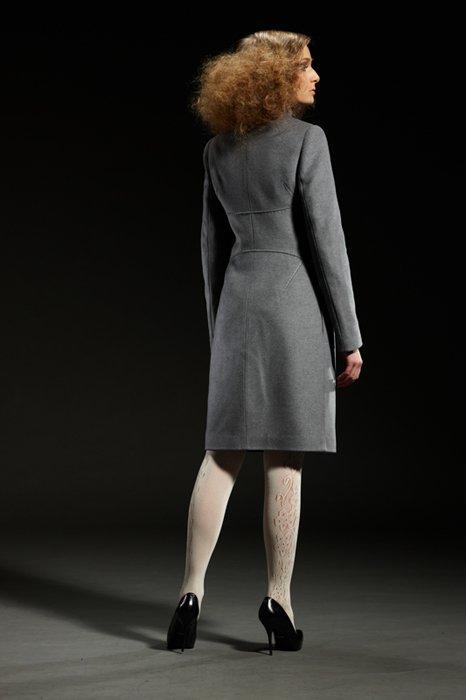 Пальто с корсетным поясом, серое