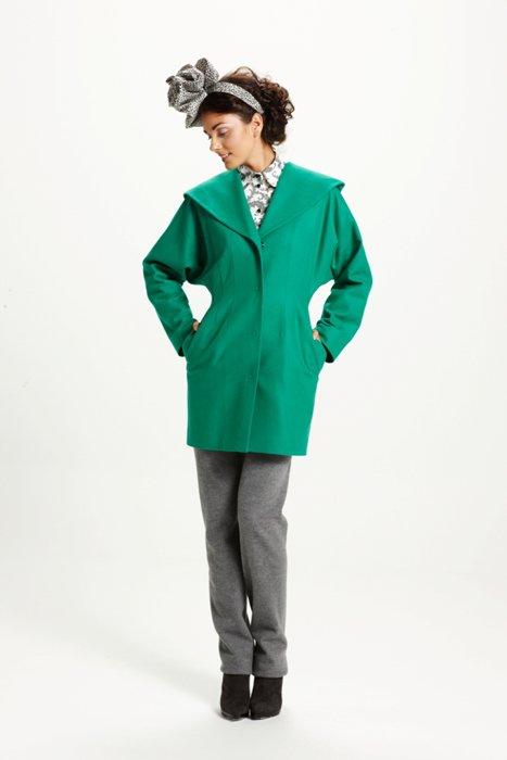 Пальто летучая мышь зеленое