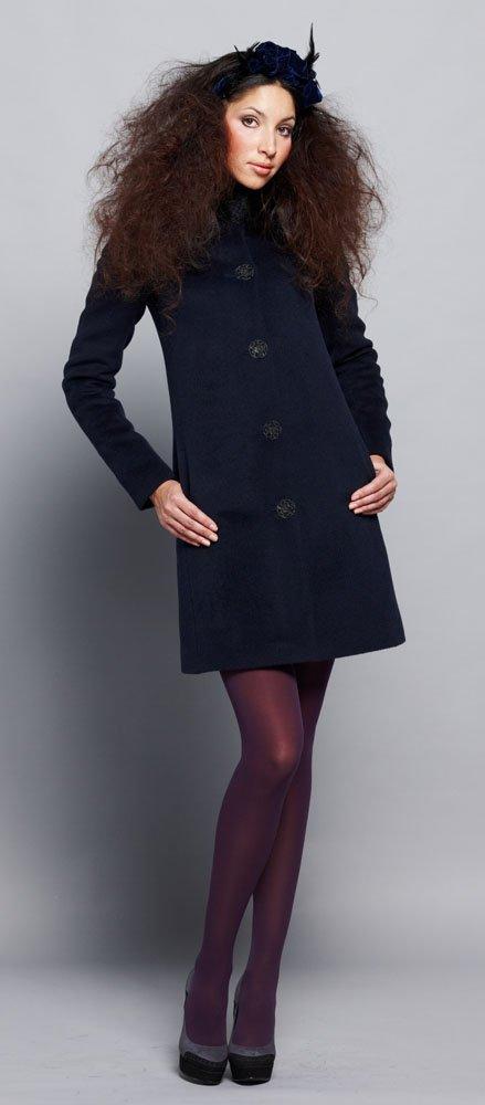 Пальто А-силуэта из ворсовой ткани.