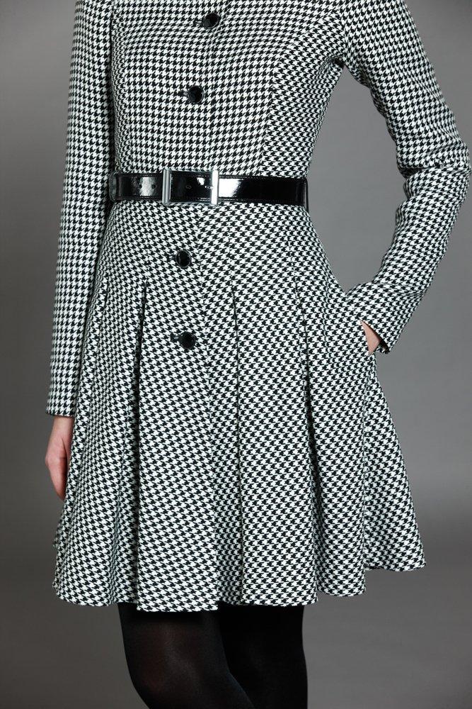 """Пальто из ткани """"гусина лапка"""" с кожаным поясом"""