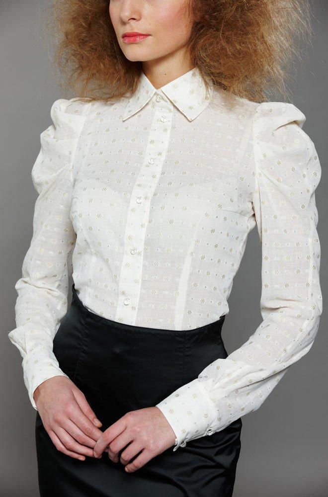 Блуза с золотым шитьем