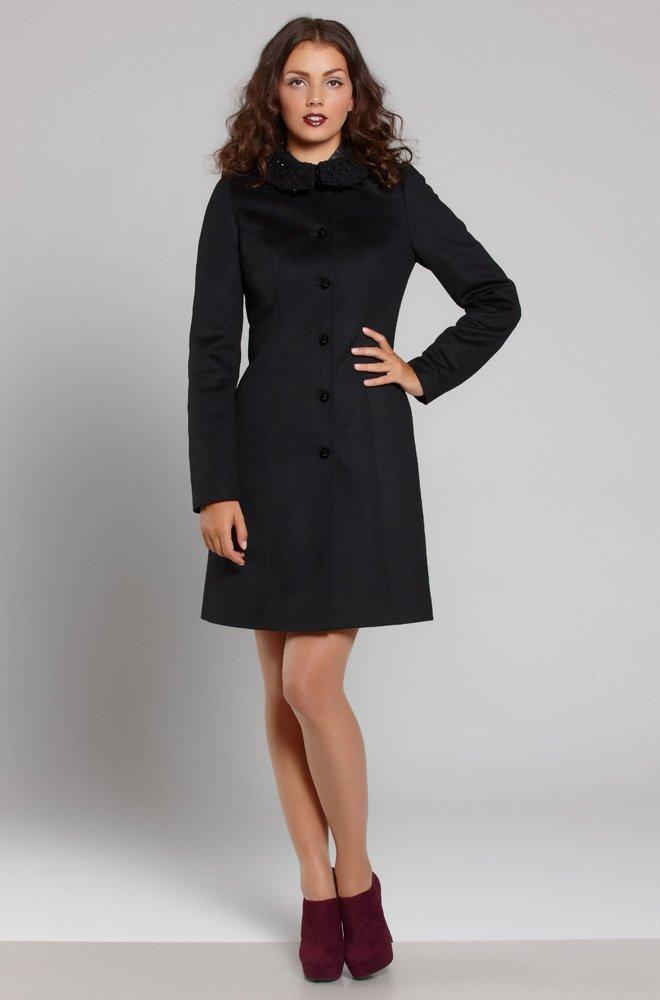 Пальто с воротником фриволите
