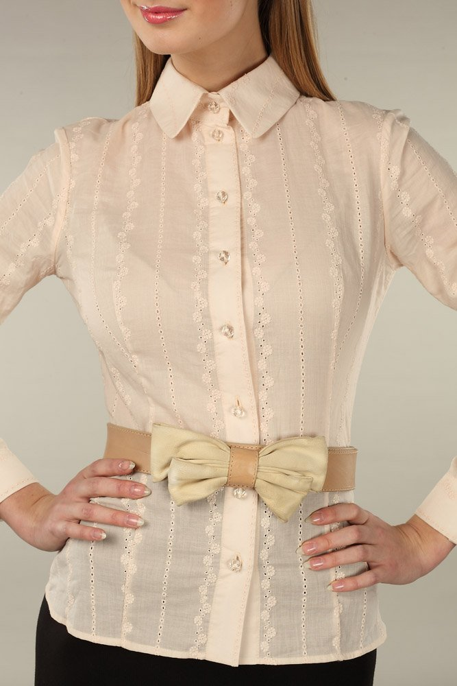Блуза из хлопкового шитья, персиковая.