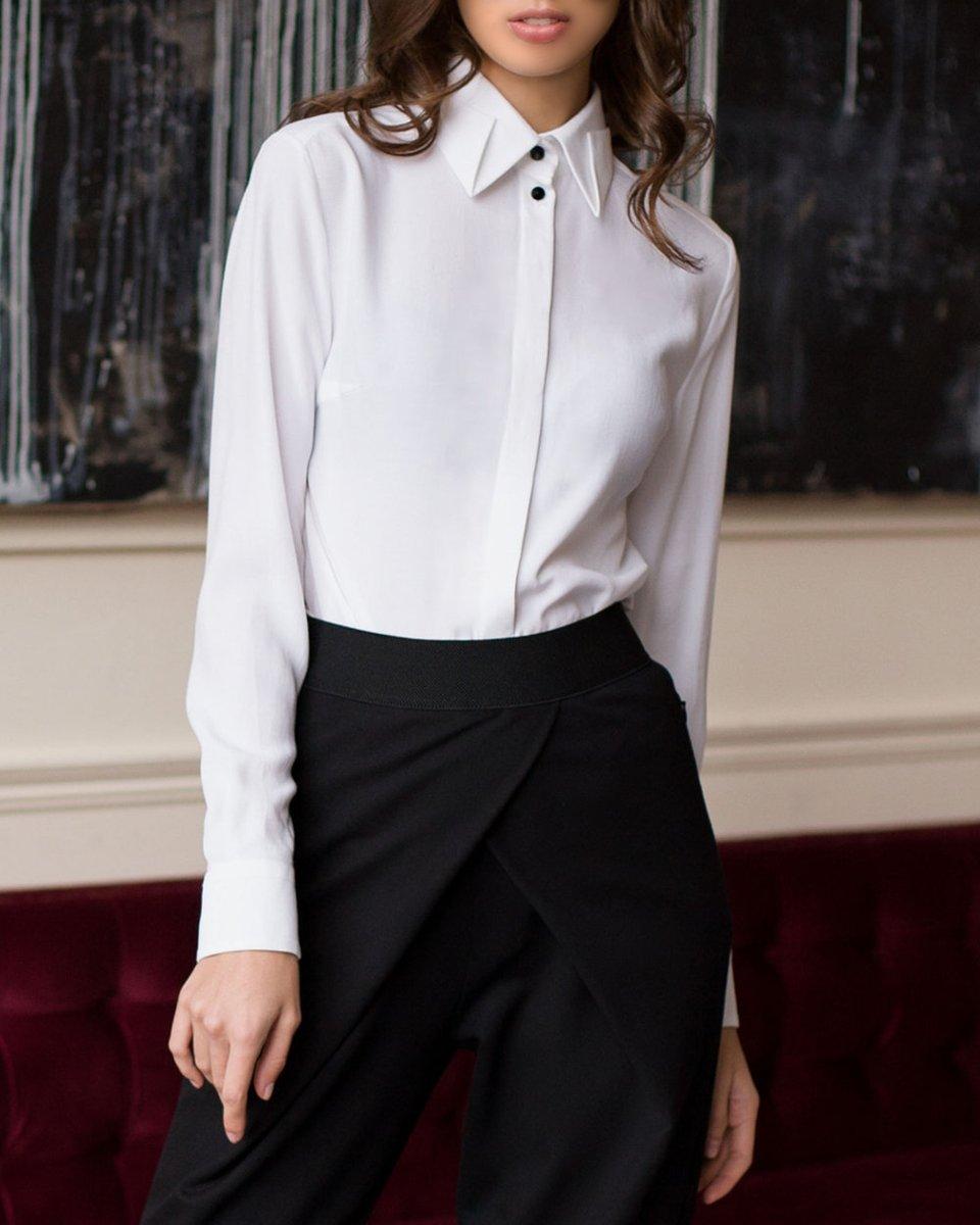 Блуза белая с фигурным воротником