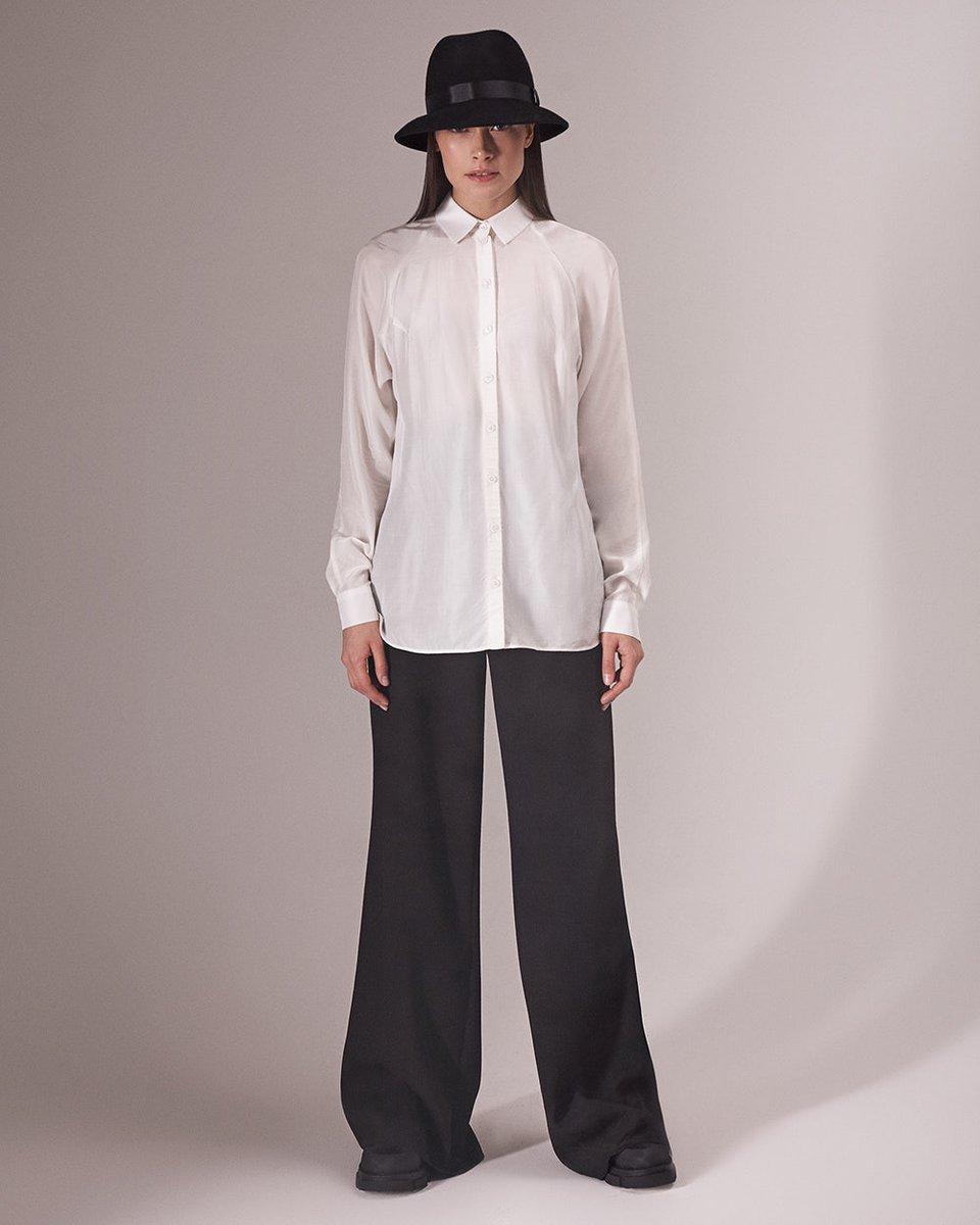 Классическая блуза белого цвета