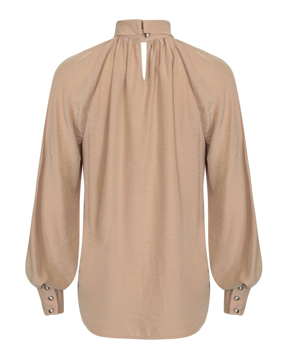 Блуза бежевого цвета с воротником-стойкой
