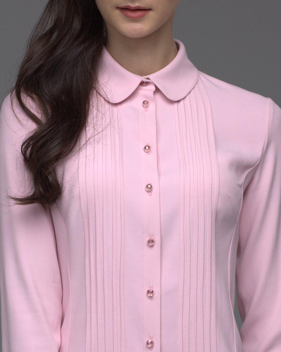 Блуза нежно-розового цвета с отстрочкой