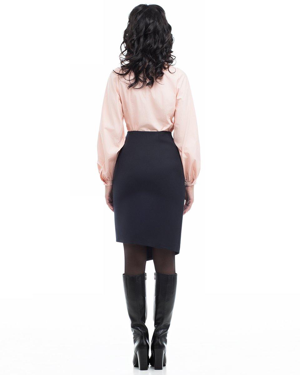 Персиково-розовая блуза с объемными рукавами