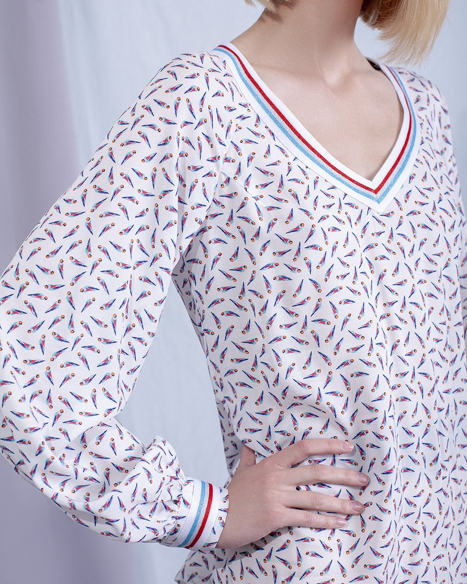 """Блуза с принтом """"попугаи"""""""