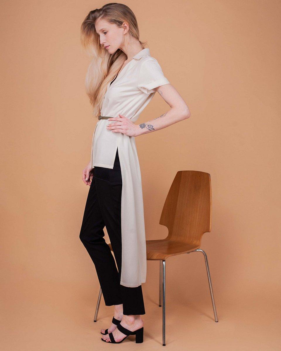 Блуза молочного цвета с удлиненной спинкой