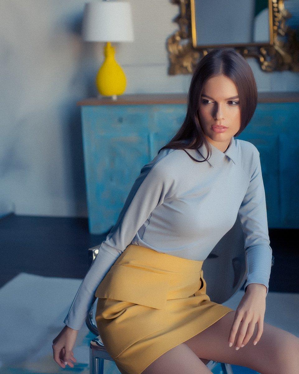 Блуза трикотажная с рукавом-реглан, серого цвета