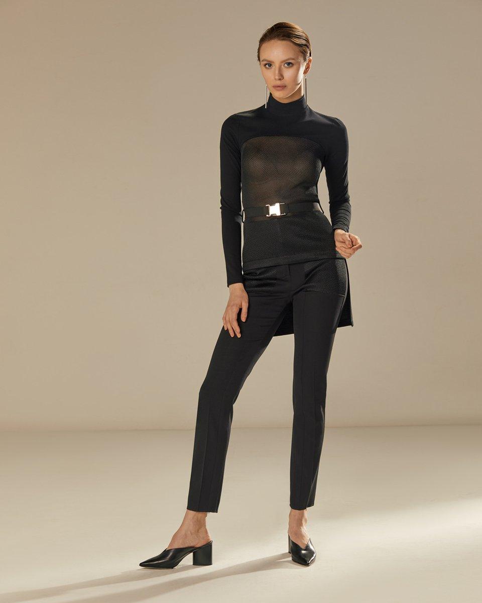 Блуза с удлиненной спинкой черного цвета