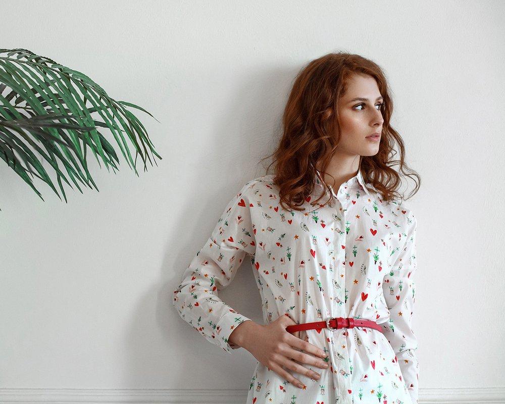 Блуза удлиненная с принтом «сердечки»