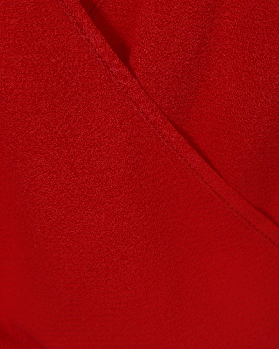 Брючный комбинезон с гофре красного цвета