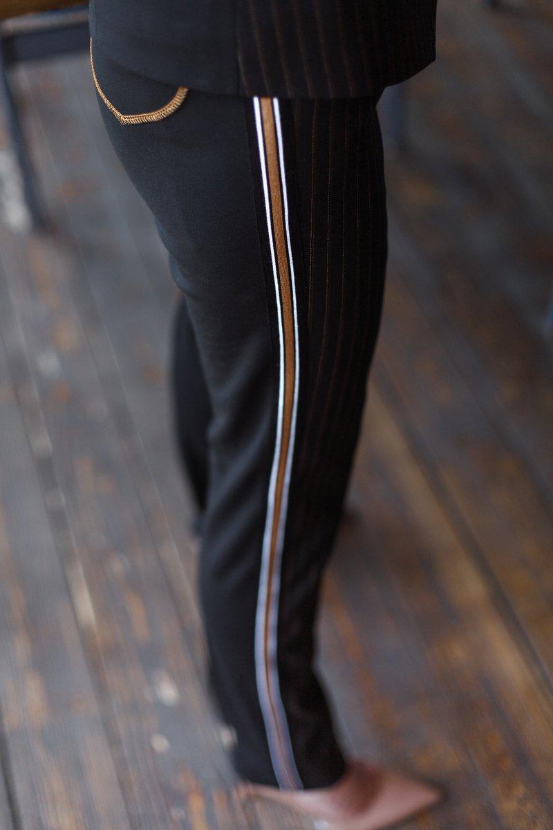 Брюки комбинированные с трикотажными лампасами с коричневой полосой