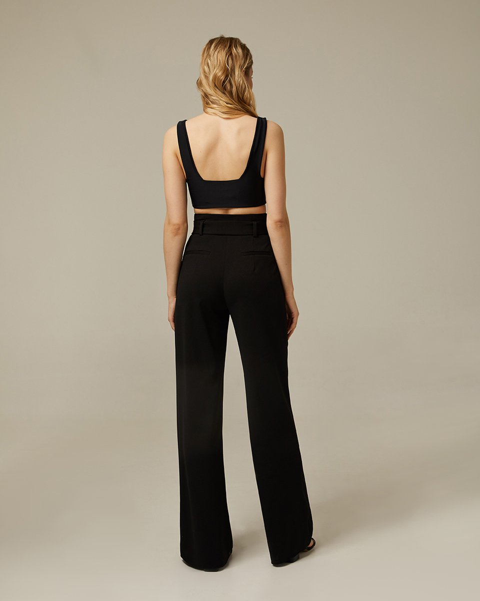 Широкие брюки с высокой талией и защипами
