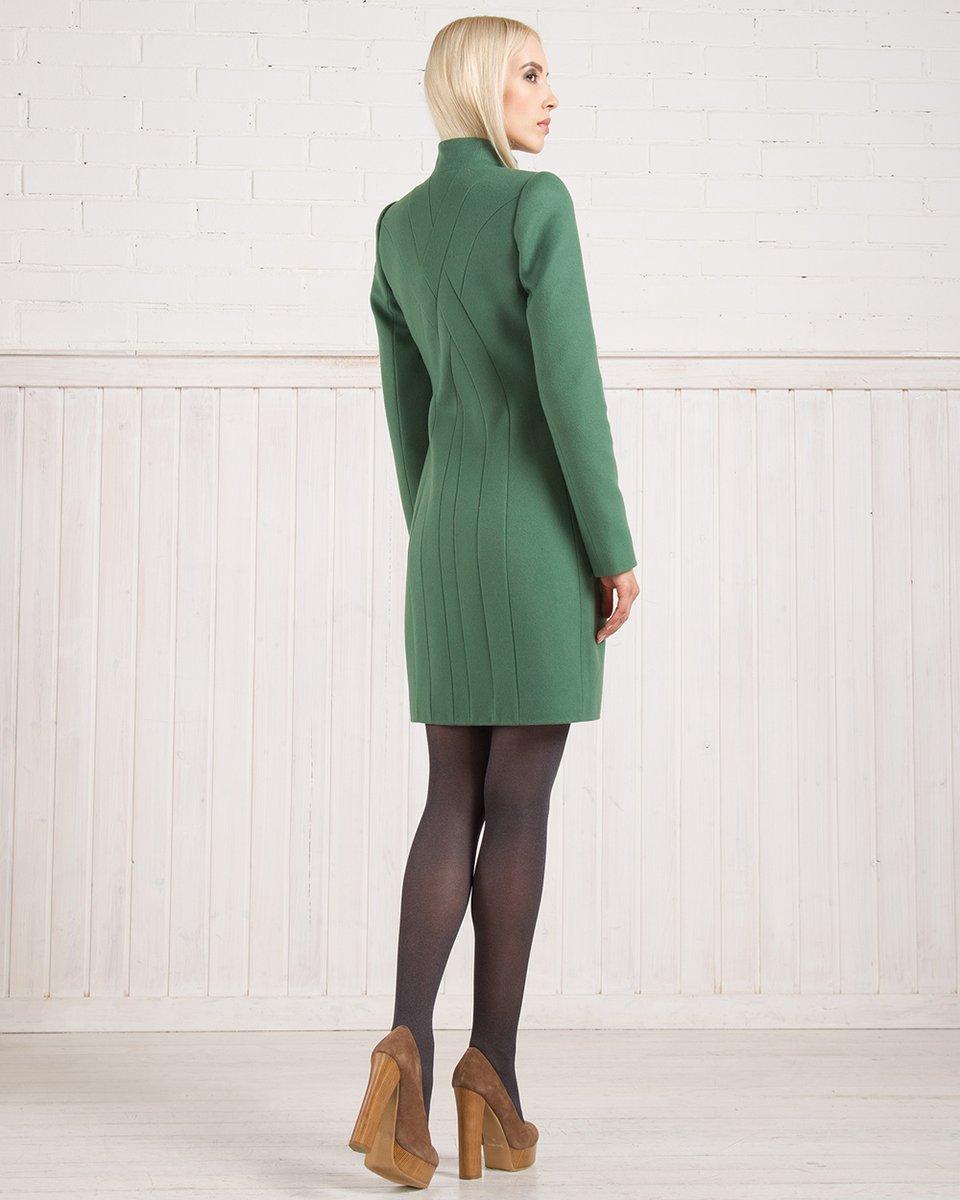Демисезонное пальто с декоративной косой на спине, зеленое.