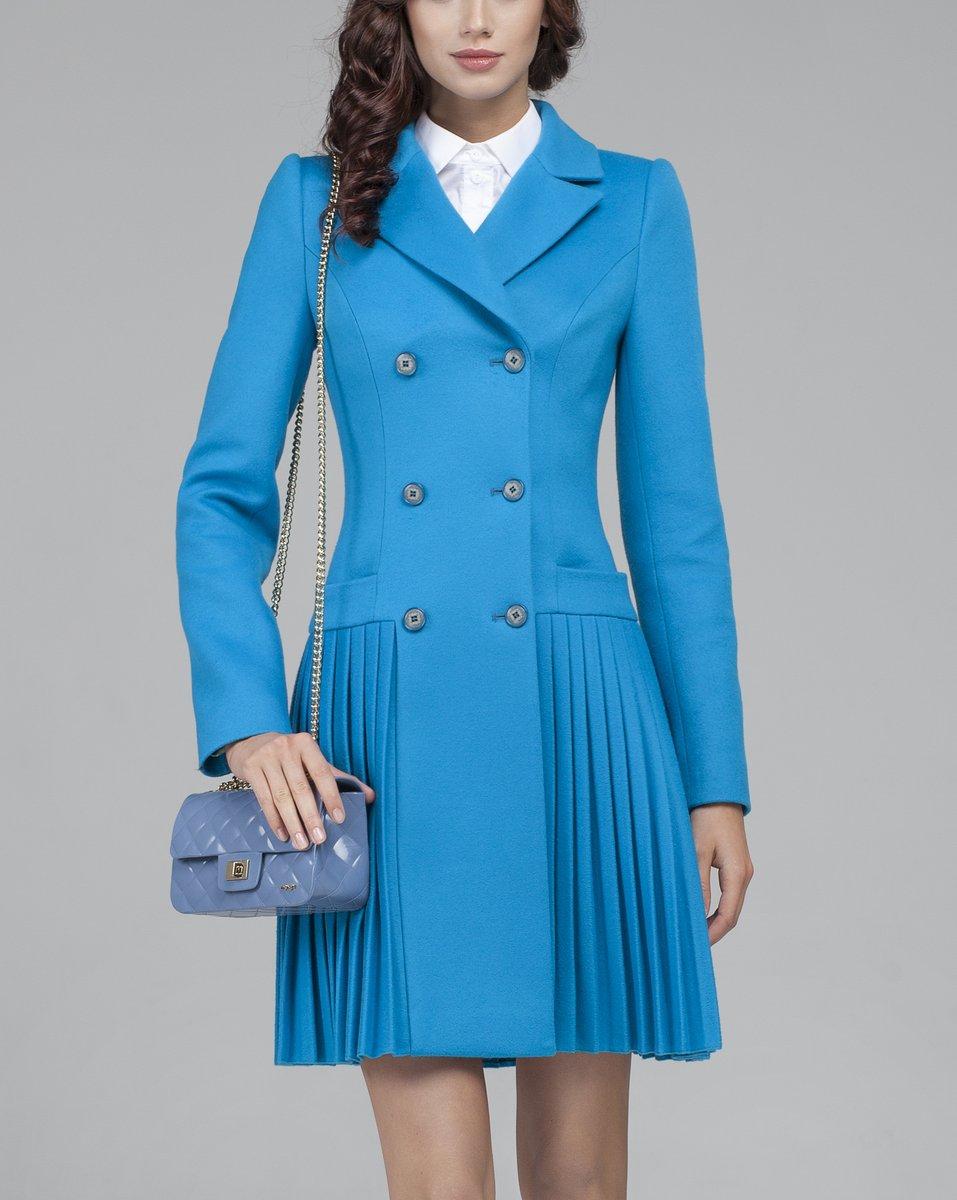 Двубортное пальто с юбкой плиссе