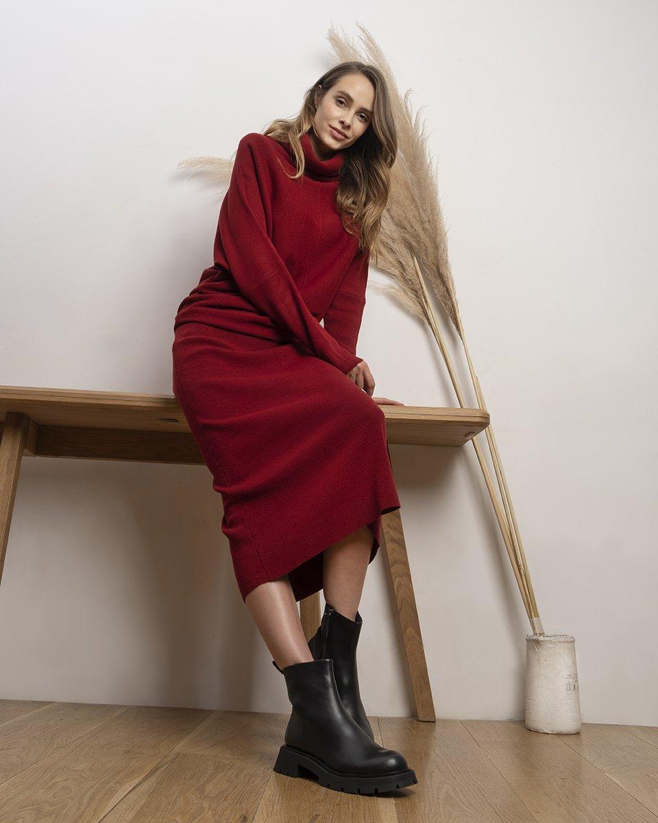 Трикотажное платье макси красного цвета