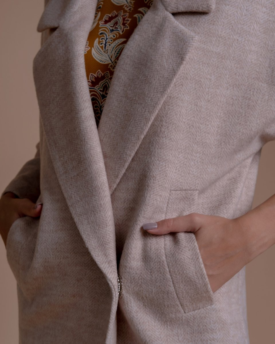 """Пальто-кардиган с длинным лацканом бежевого цвета, узор """"елочка"""""""