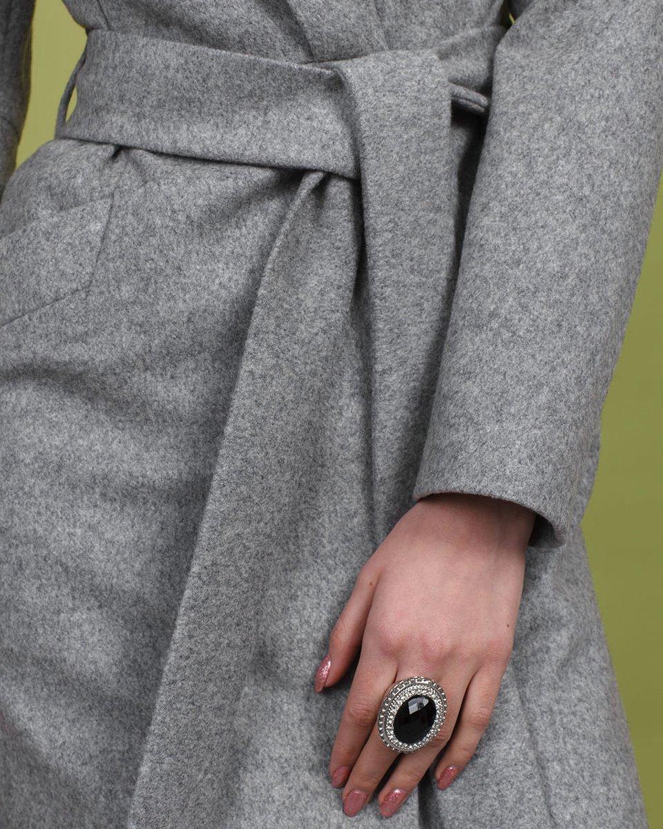 Серый кардиган с длинными лацканами