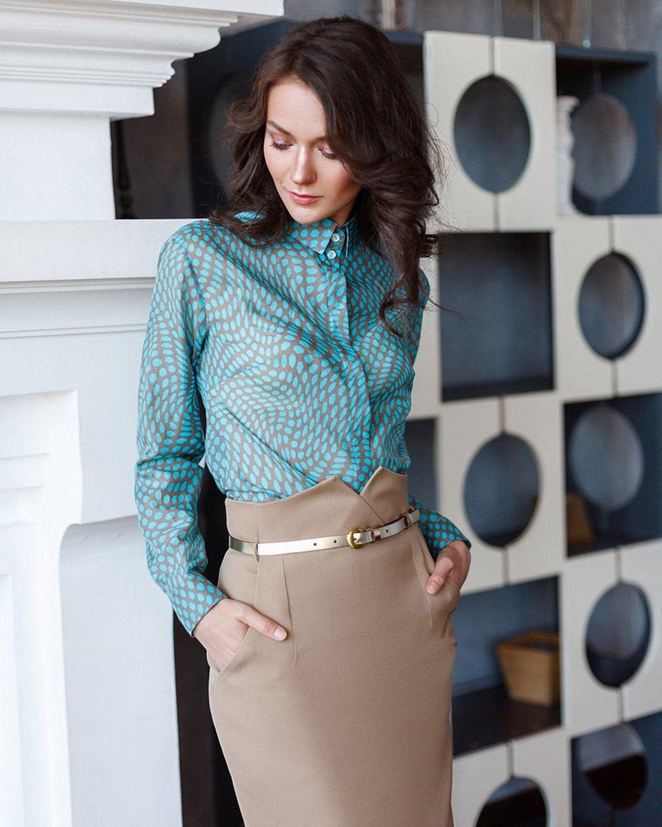 """Классическая блуза с принтом """"бирюзовые многоугольники"""""""