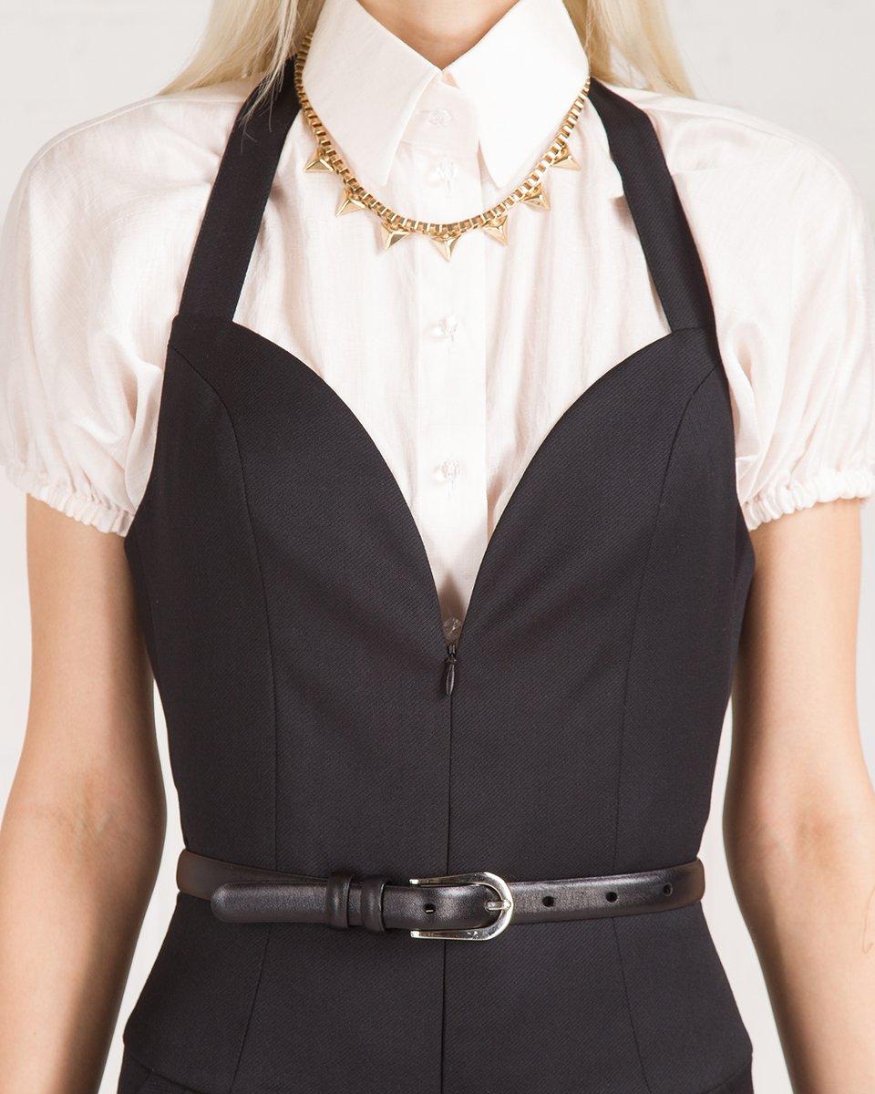 Комбинезон-шорты приталенного силуэта, черный.