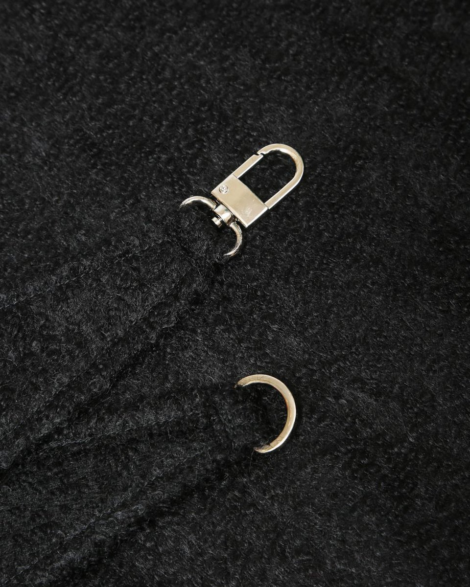 Косынка-капюшон букле черного цвета