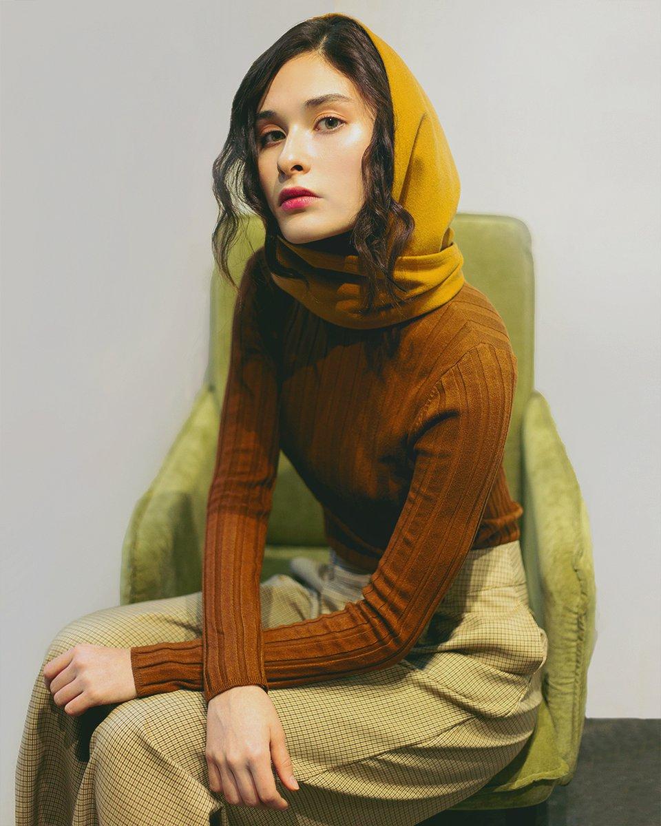 Косынка-капюшон цвета кэмел