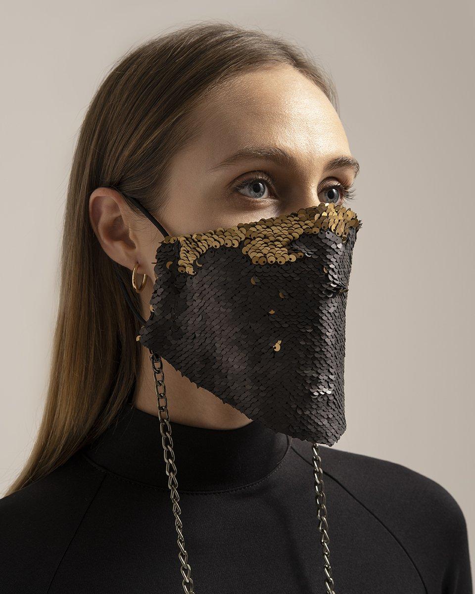 Многоразовая маска с черно-золотыми пайетками