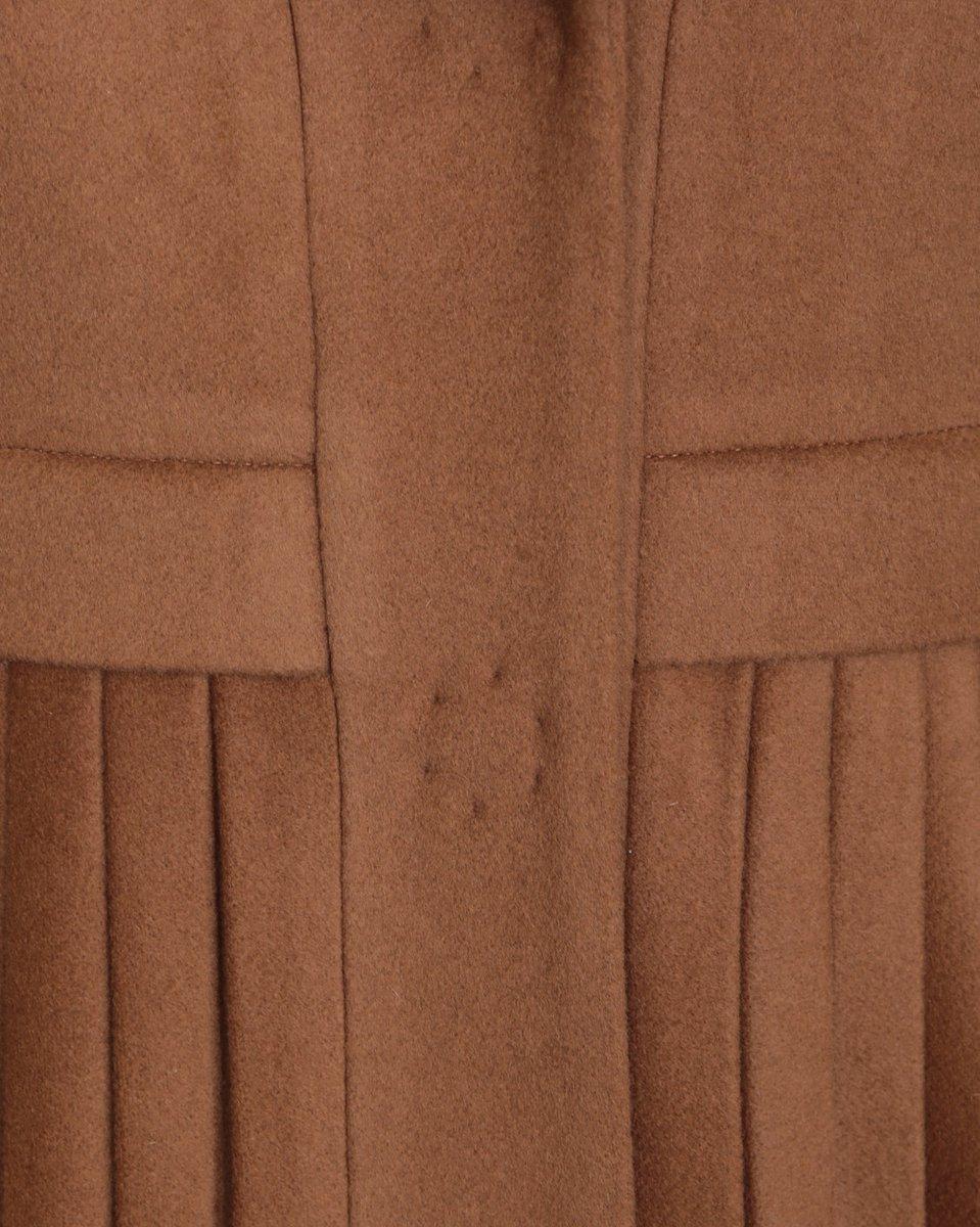 Пальто с меховым воротником и юбкой-плиссе