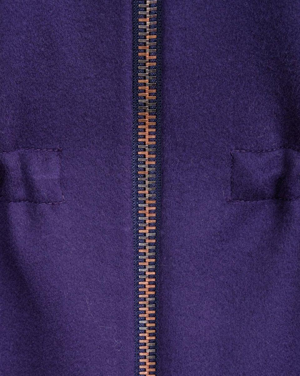 Пальто черничного цвета с капюшоном