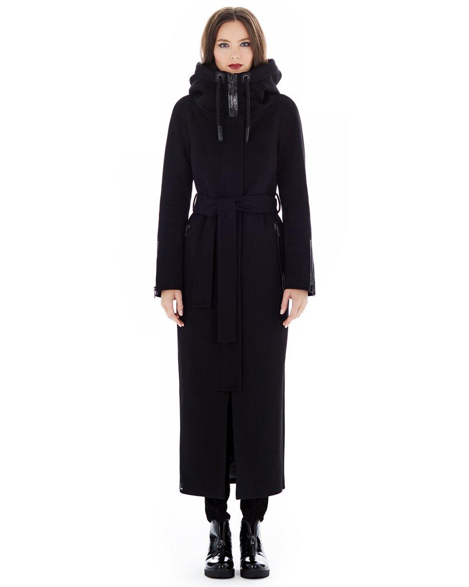 Черное пальто длины макси