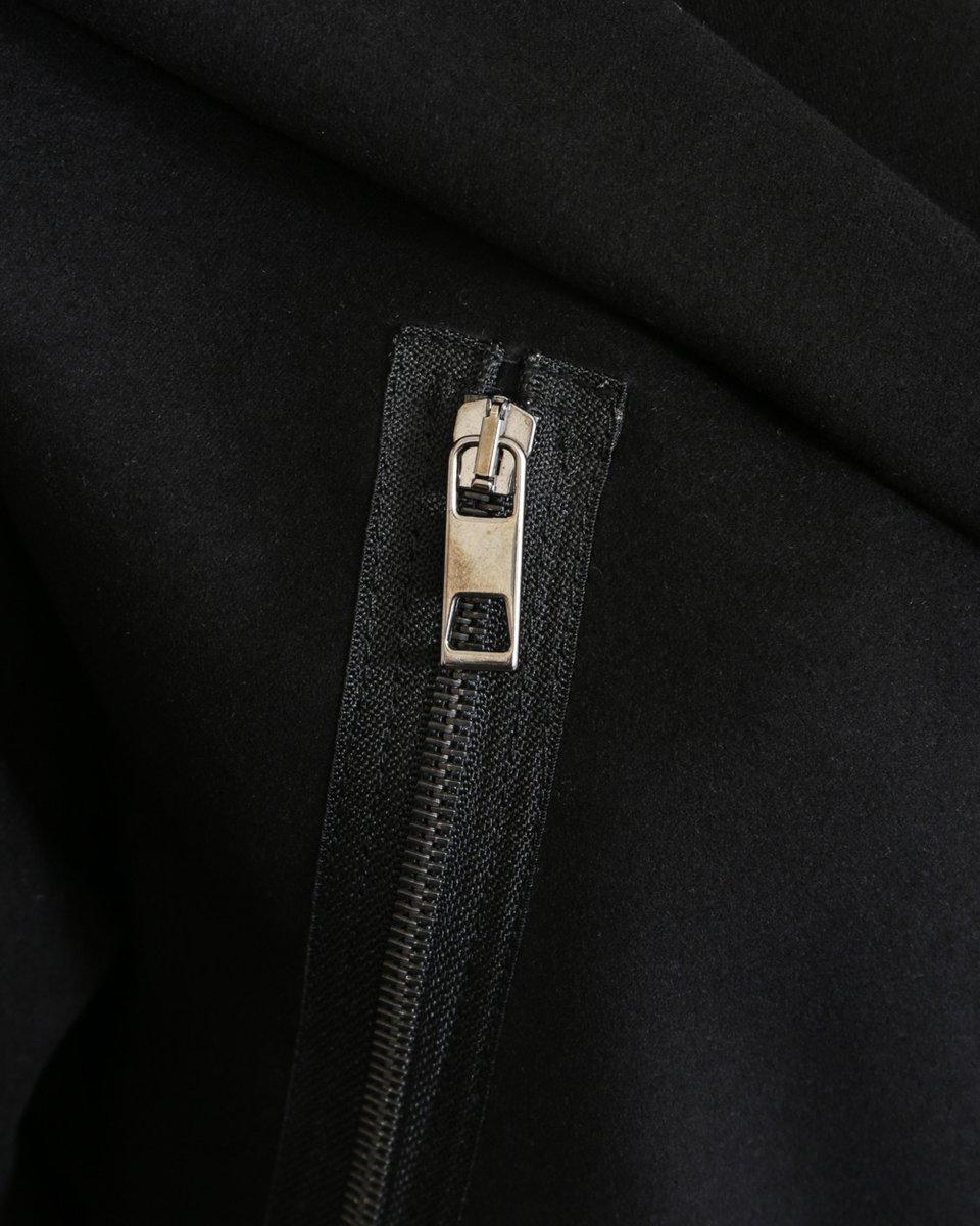Пальто с капюшоном и съемным карманом на поясе. Limited ed.