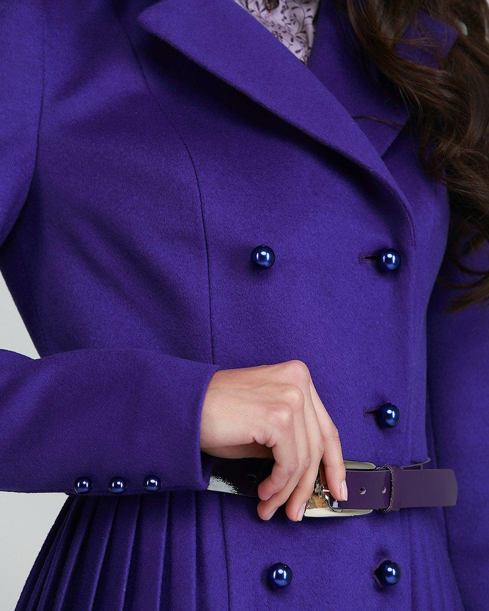 Пальто двубортное с плиссированной юбкой, черничное