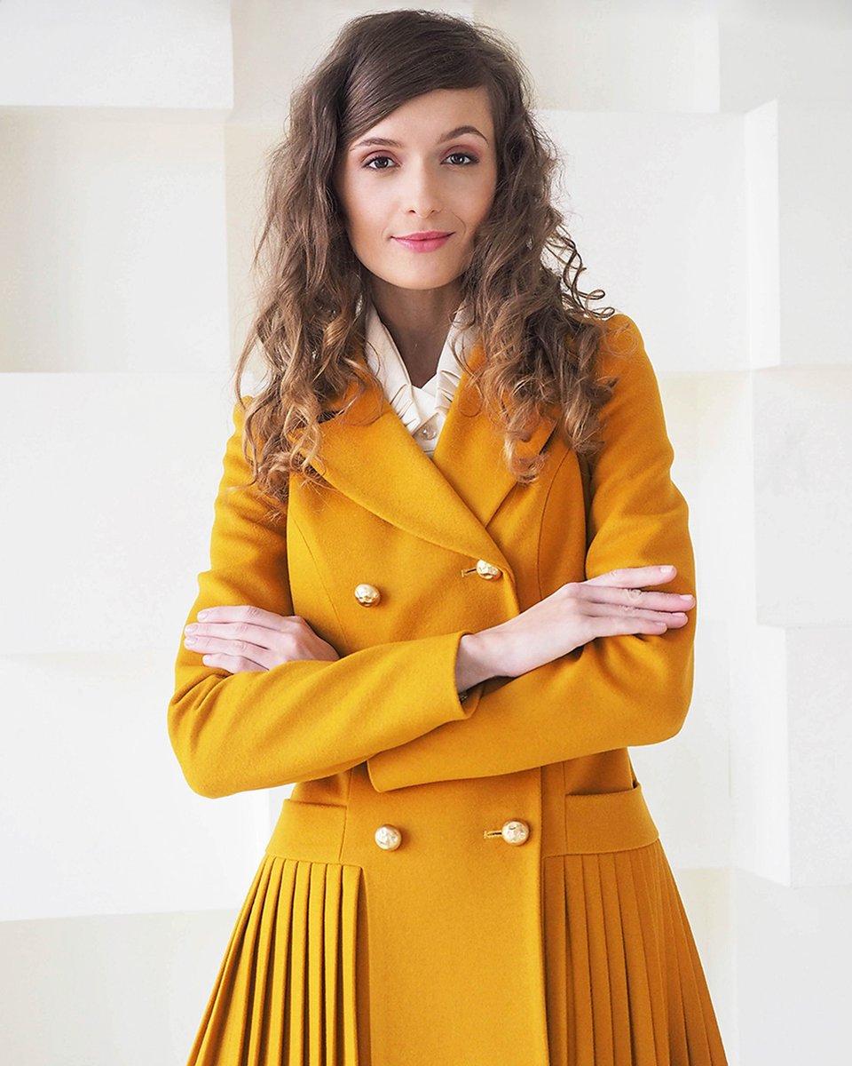 Пальто двубортное с юбкой-плиссе