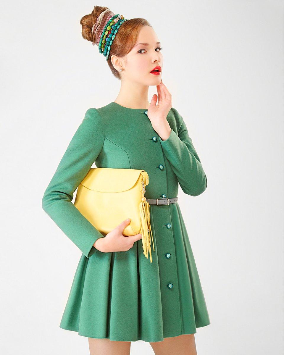 """Пальто """"Ekaterina Smolina"""" приталенного силуэта, с пышной юбочкой, зеленое"""
