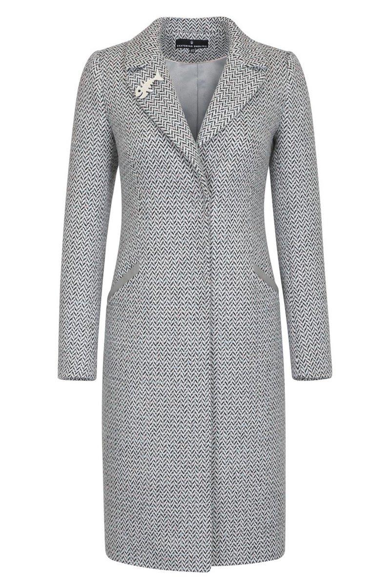 Пальто из твида серого цвета с узором «елочка»