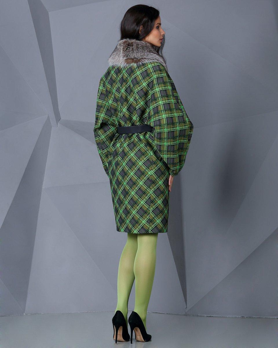 Пальто из жаккарда с меховым воротником