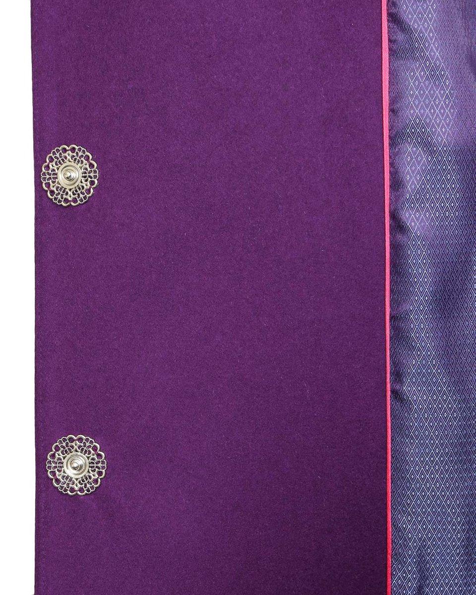 Пальто прямого кроя с накладными карманами фиолетового цвета