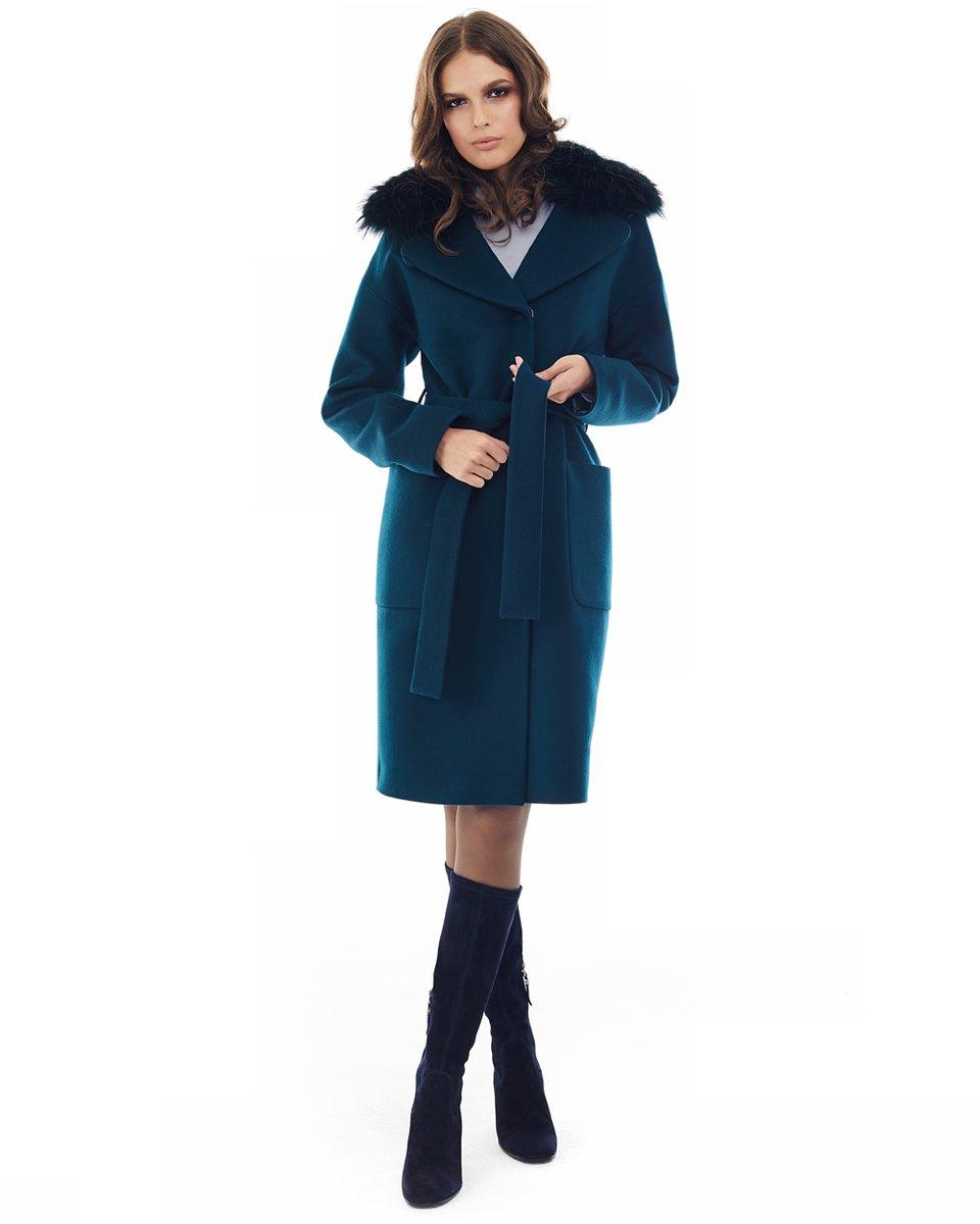 Пальто прямого силуэта изумрудного цвета