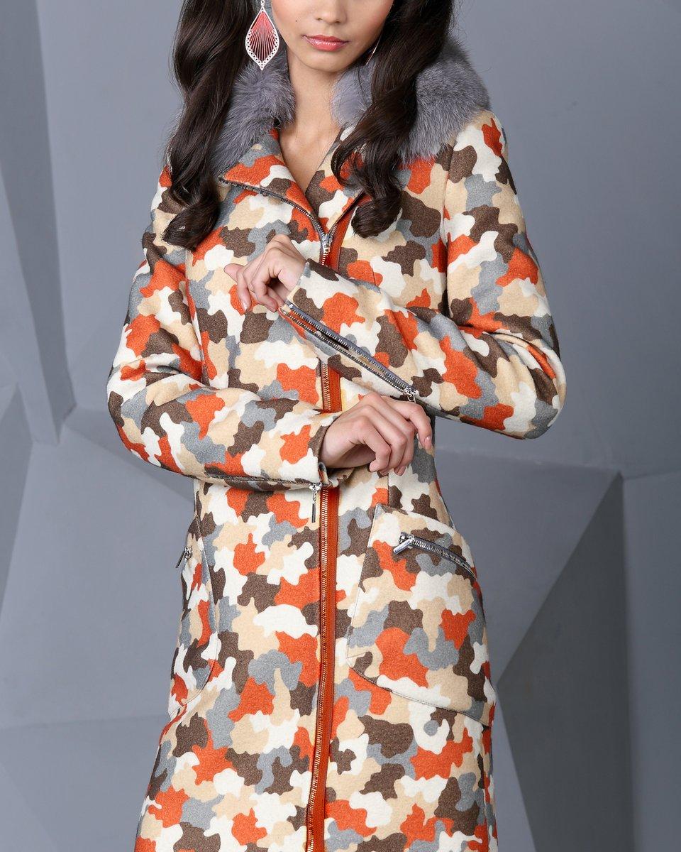 Пальто с асимметричной застежкой