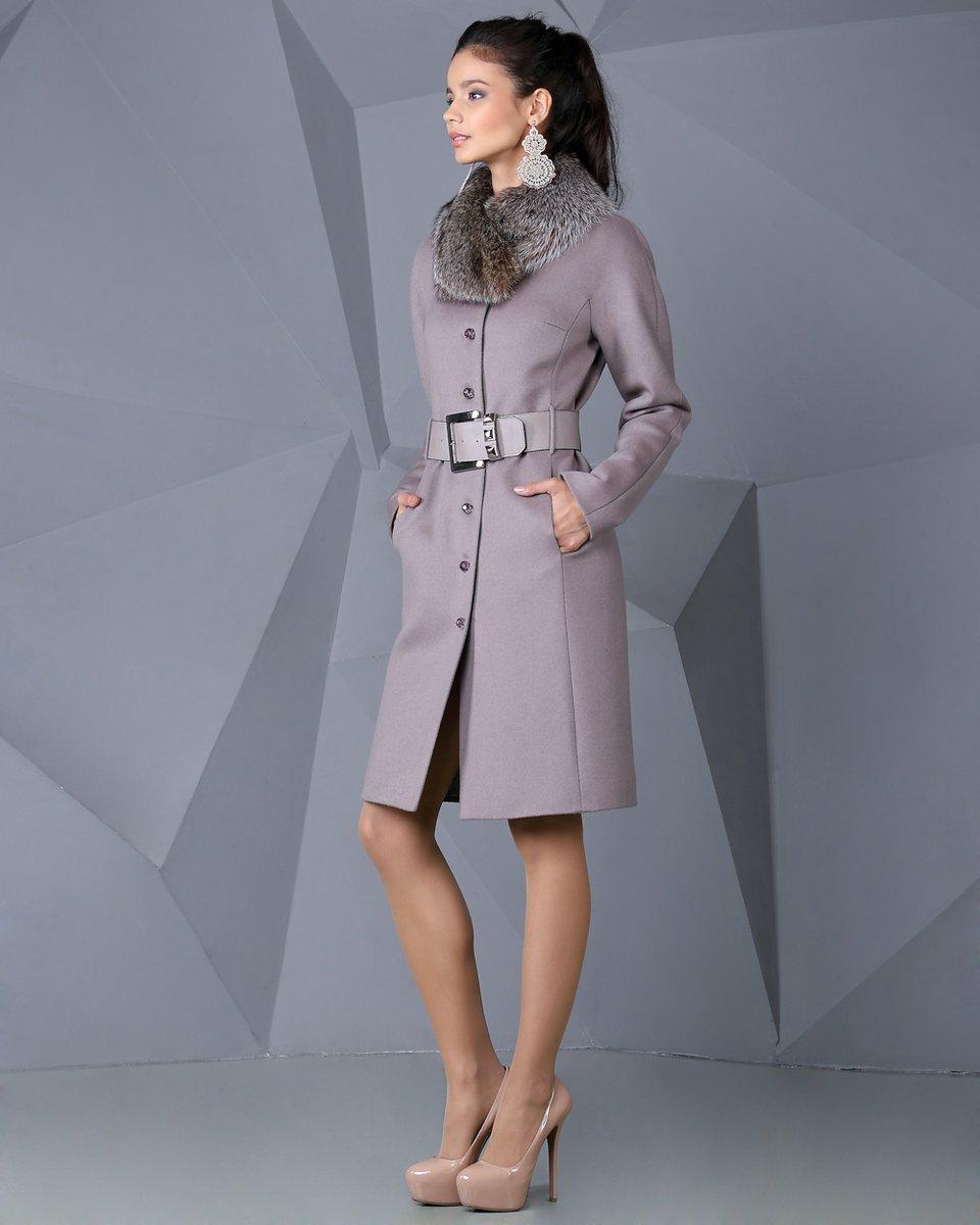 Пальто с цельнокроеным рукавом