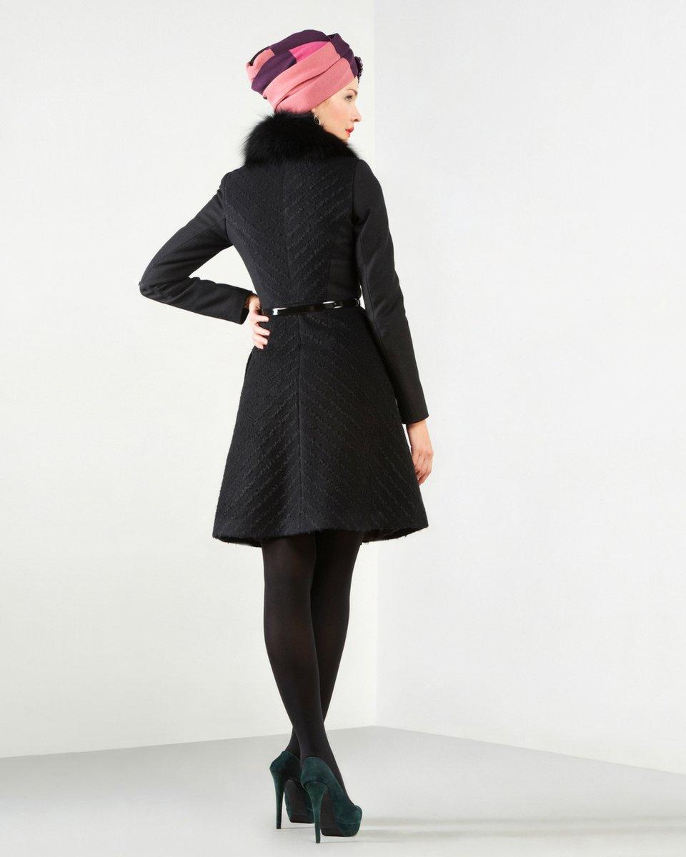 Пальто с диагональным рисунком, черного цвета