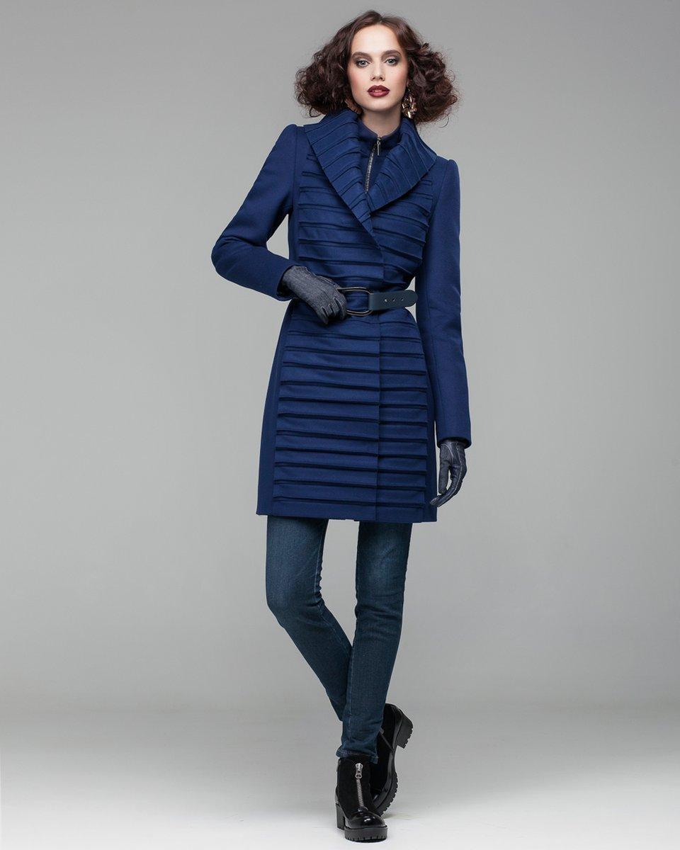 Пальто с плиссированной вставкой