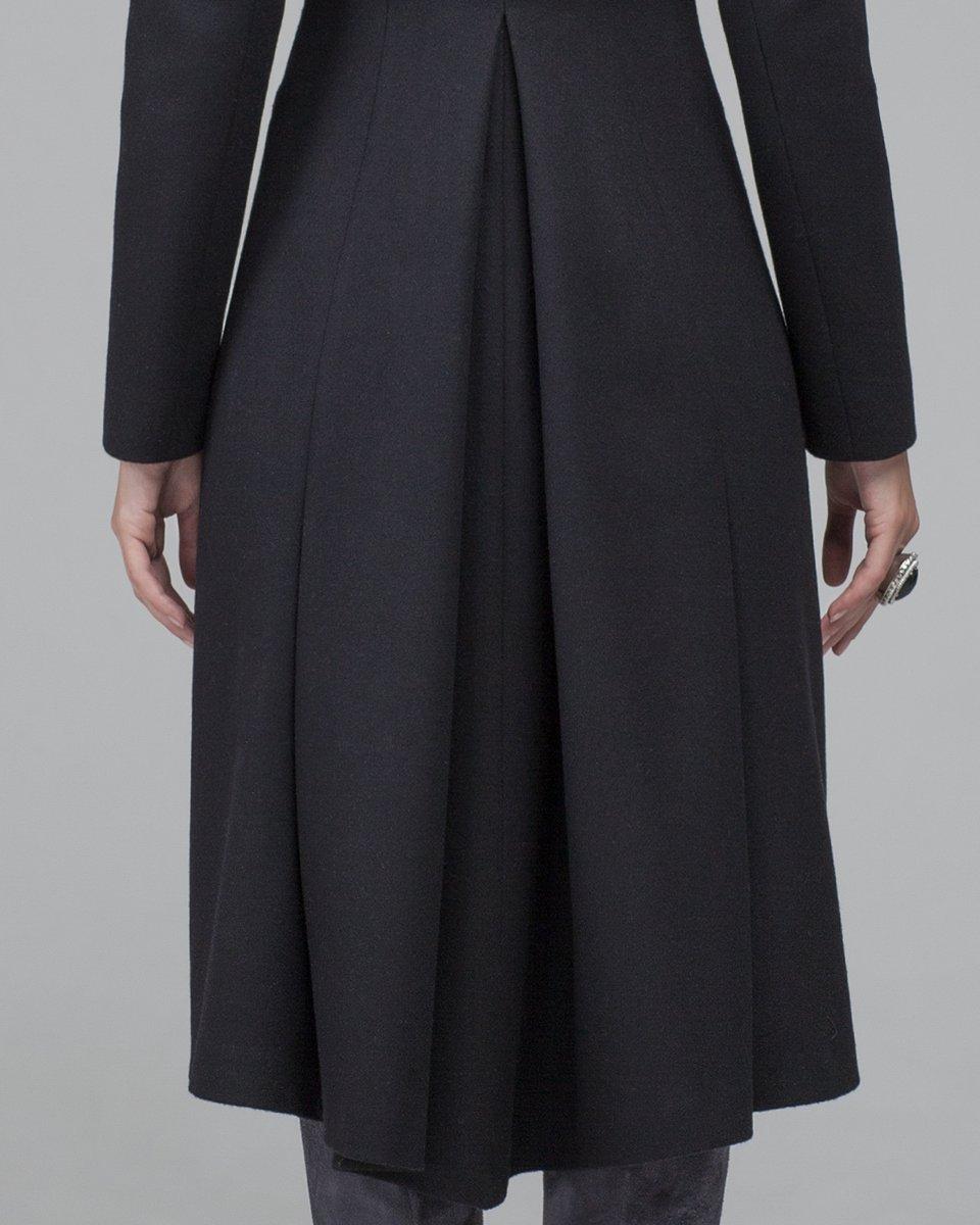 Пальто с плиссированным подкладом