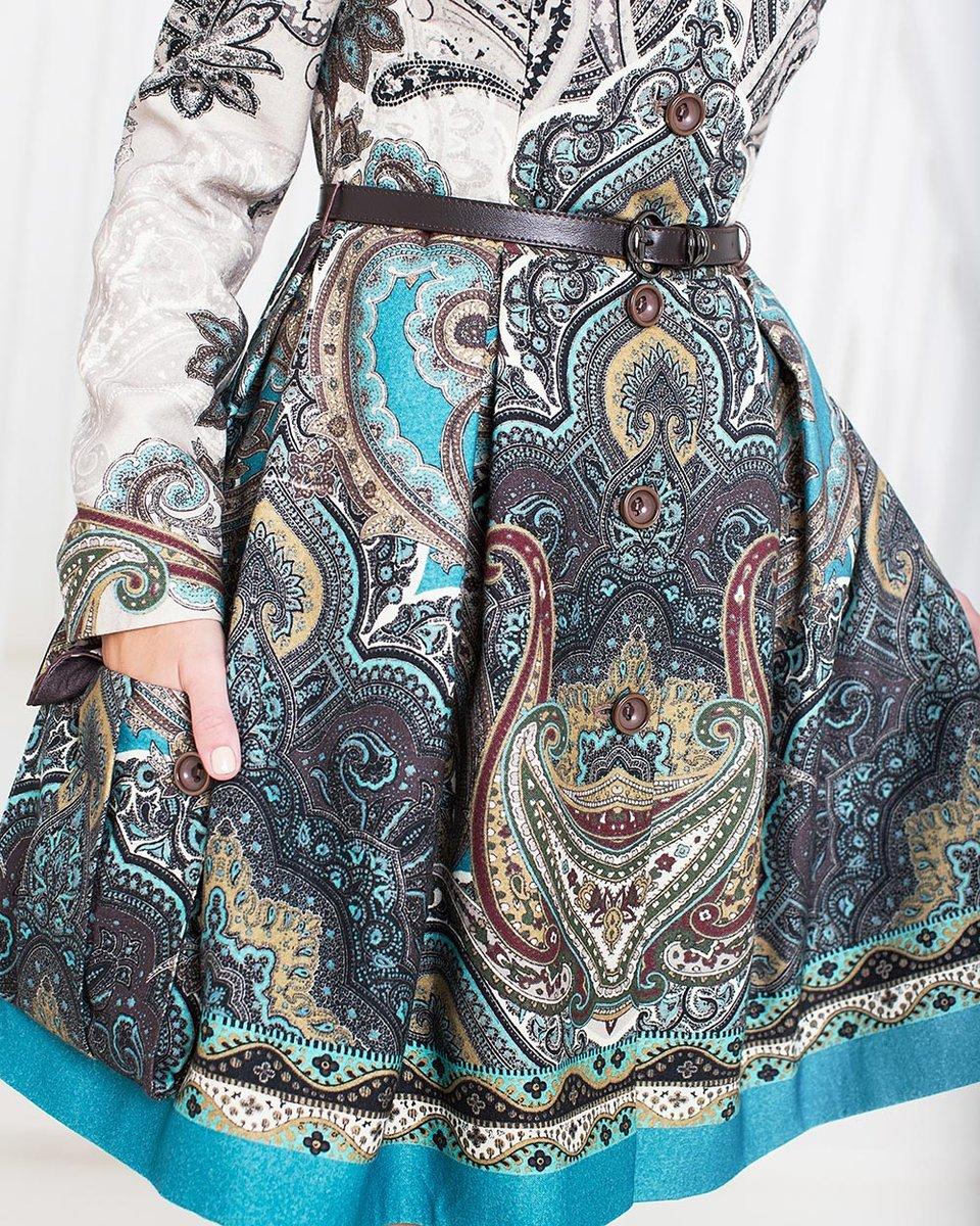 Пальто с пышной юбкой, из ткани с принтом