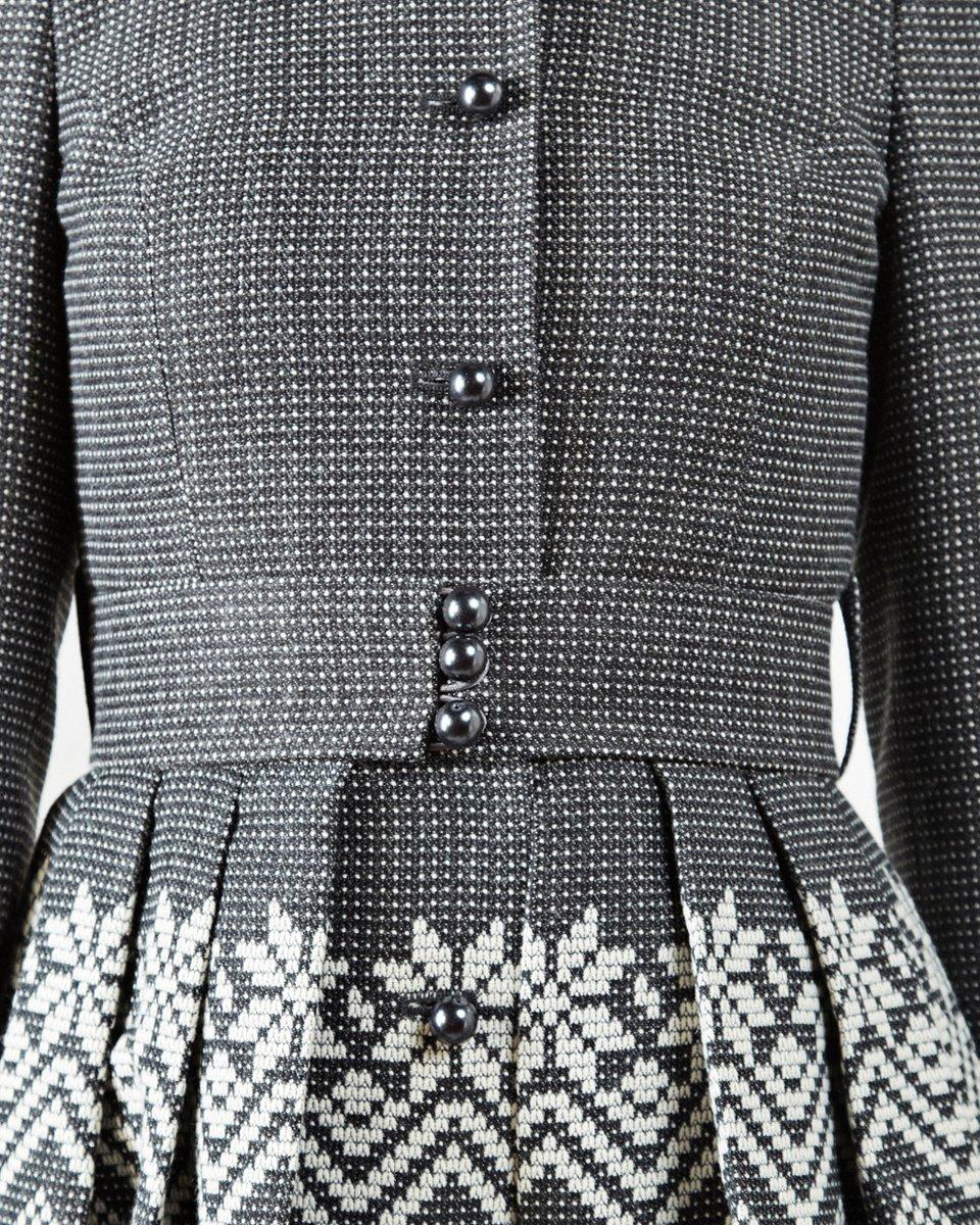 Пальто с пышной юбкой из жаккарда